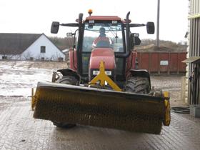traktor-kost